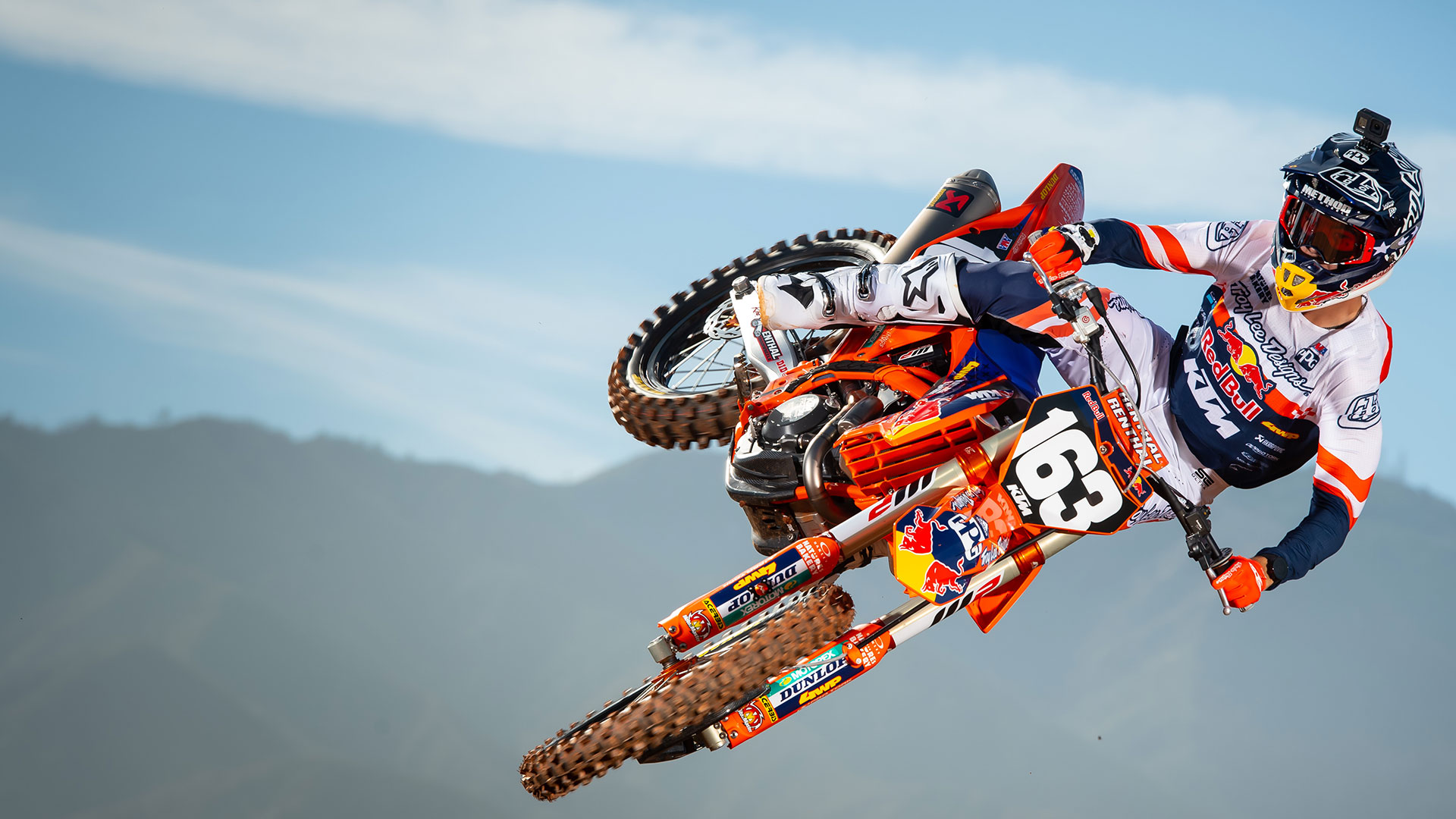 Read more about the article KTM 250 SX-F TROY LEE DESIGNS 2021
